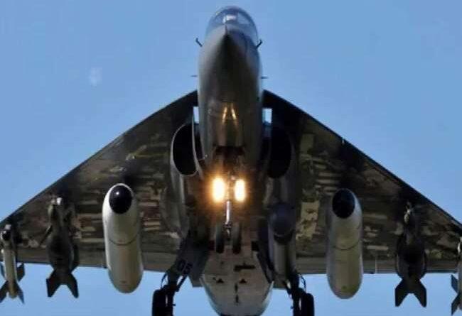 तेजस विमानों में कई देशों ने दिखाई चिलचस्पी, चीन के जेएफ-17 की तुलना में हैं बेहतर