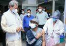 सीएम ने सचिवालय में किया टीकाकरण कैंप का मुआयना