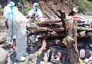 पौड़ी गढ़वाल के रिखणीखाल में गांव वाले नहीं आए तो पुलिस ने ही वृद्धा को कंधा देकर किया अंतिम संस्कार
