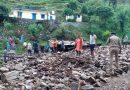 बादल फटने से पांच घंटे बाधित रहा पौड़ी श्रीनगर मोटर मार्ग, दो वाहन लापता, गौशाला क्षतिग्रस्त