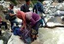 आपदा ने बढ़ाई मुसीबत जान हथेली में लेकर कर रहे हैं ग्रामीण आवाजाही