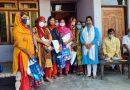 स्पर्श गंगा परिवार ने आशा और आंगनवाड़ी कार्यकर्ताओं को बांटी सुरक्षा किट