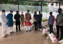 आटो-रिक्शा चालकों को राशन किट वितरित की