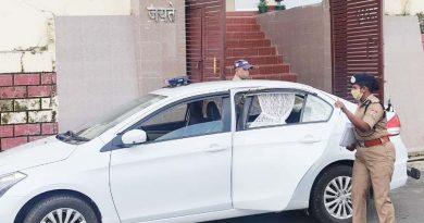उत्तराखण्ड में एक ऐसी एसएसपी भी जो कोविड के चलते बिना ड्राइवर और गनर के खुद चलाती हैं गाड़ी