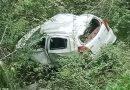 पौड़ी गढ़वाल: खाई में गिरी कार, परिवार के 4 लोग घायल