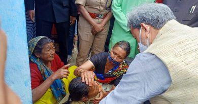 शहीद मंदीप नेगी का पार्थिव शरीर पहुंचा गांव, मौजूद मुख्यमंत्री ने दी पुष्पाजंलि, परिजनों को बंधाया ढांढ़स