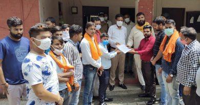 विश्व हिंदू परिषद और बजरंग दल कार्यकर्ताओं ने लगाया बद्रीनाथ धाम में नमाज पढ़े जाने का आरोप