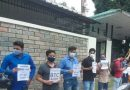 डीएलएड प्रशिक्षितों का सचिवालय के बाहर प्रदर्शन