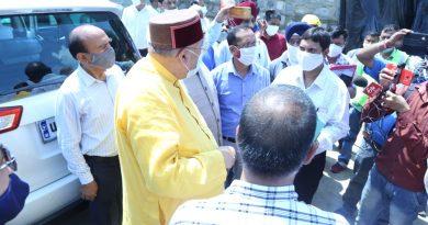 लोक निर्माण मंत्री महाराज ने किया प्रेमनगर में ढहे पुस्ते का औचक निरीक्षण
