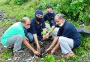 रेलवे परिसर में किया वृक्षारोपण, संरक्षण पर दिया जोर
