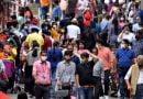 कोरोना के खतरे को देख केंद्र ने कहा- भीड़ वाली जगहों पर अंकुश लगाएं राज्य, दोबारा प्रतिबंध की चेतावनी