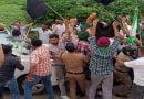 कैबिनेट मंत्री बंशीधर का घेराव कर किसानों ने की नारेबाजी