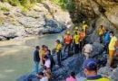 भागीरथी नदी में गिरी कार, वाहन समेत दो शिक्षक लापता
