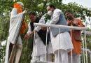 सीएम धामी ने की राष्ट्रपिता महात्मा गांधी की मूर्ति पर माल्यार्पण कर उन्हें श्रद्घांजलि अर्पित